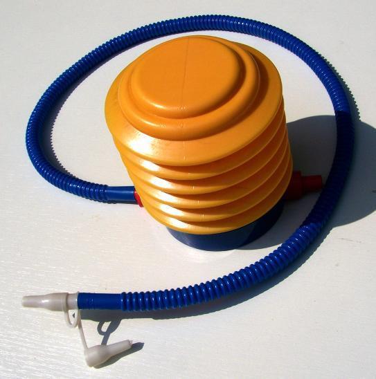 2562 Vzduchová pumpa pro foukání camping  potřeb