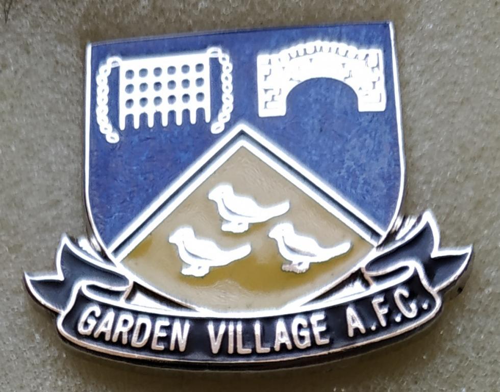 Welsh Second League: Garden Village  AFC, smaltovaný, altered grip pin