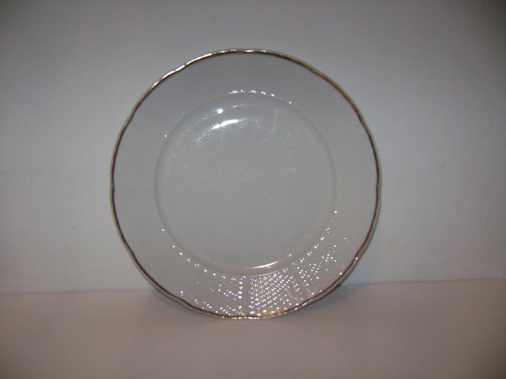 4) Starý porcelánový talíř zlacený Thun - Natalie  (S)