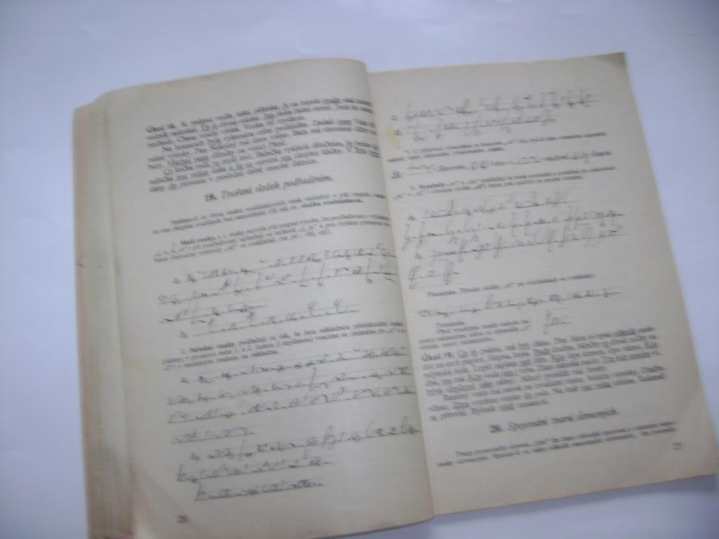 Slabý, Matoušek: Učebnice českého těsnopisu I. (1942) (A)